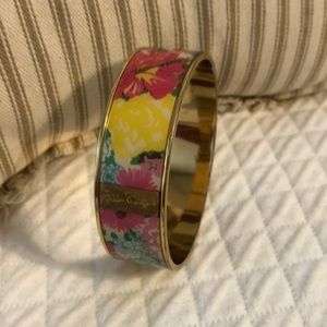 Lilly Bracelet, Gold, beautiful flower pattern